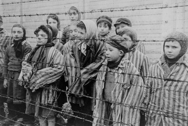 holocaust44